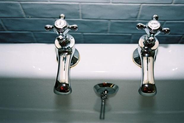 Al abrir el agua caliente del ba o no alcanza a encender for Como cambiar la llave de la ducha
