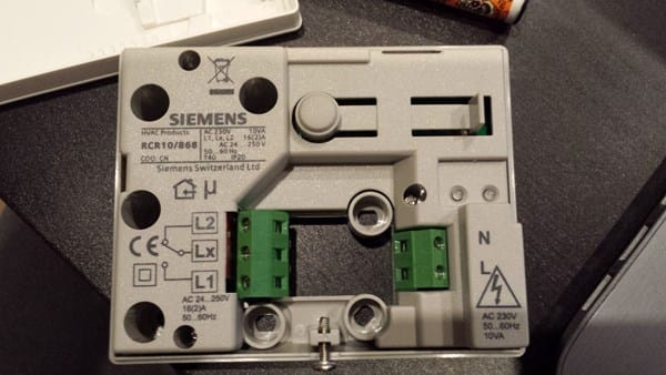Instalaci n termostato rev24rf en caldera junkers cerapur - Termostato calefaccion siemens ...