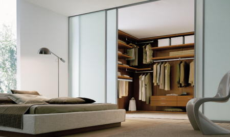 con cristal transparente hay menos intimidad est ms integrado pero a mi personalmente no me gusta que se vea lo que tengo en los armarios - Habitacion Vestidor