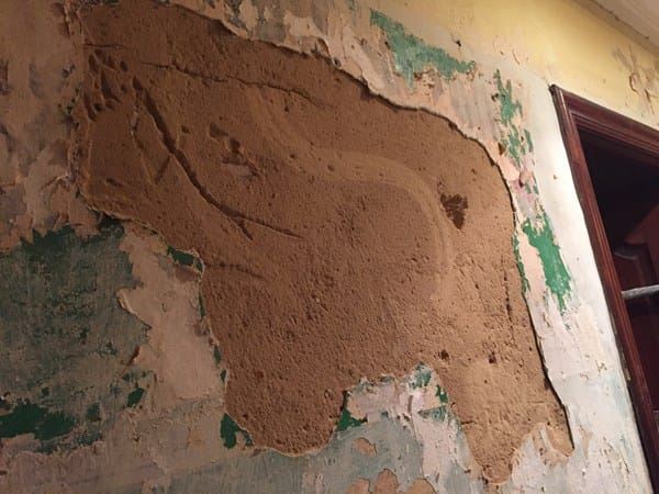 C mo restaurar paredes antiguas con base de mortero de - Cemento decorativo para paredes ...