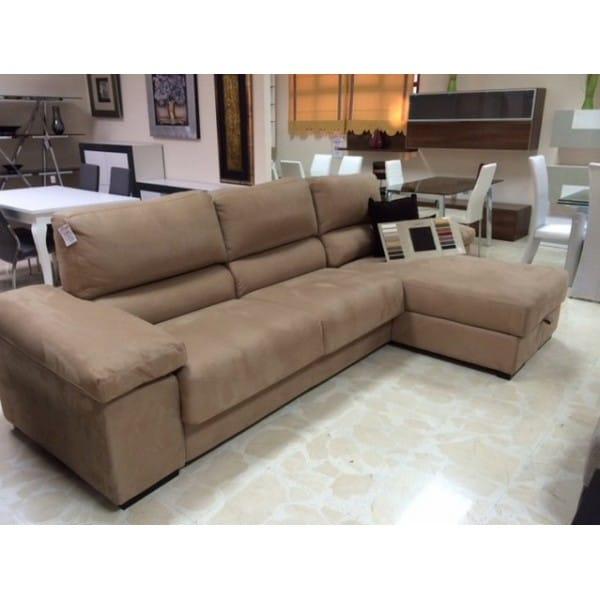 Q color de sofa aquaclean va para pared color s1002y50r y un mueble grande clasico y robusto de - Sofa color arena ...