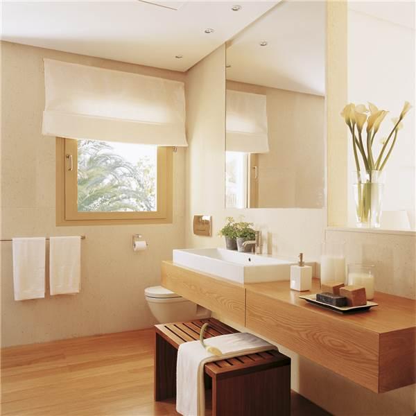De qu color combinan los mueble de ba o con el m rmol for Tarimas de madera para duchas
