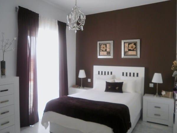 Colores para pintar habitaci n de matrimonio con muebles - Pared marron chocolate ...