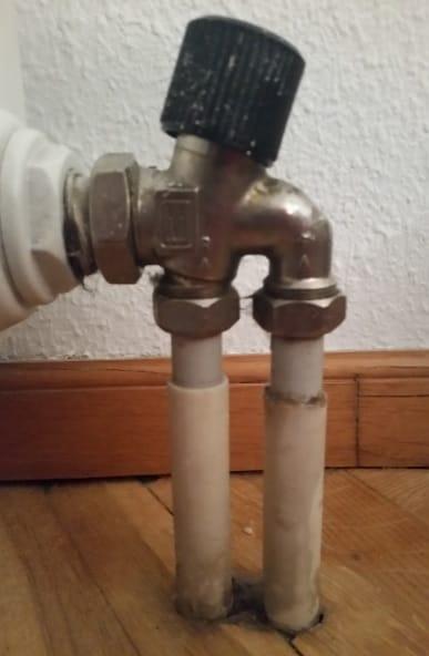 Cambio de llaves de radiadores monotubo antiguas - Radiadores de calefaccion ...