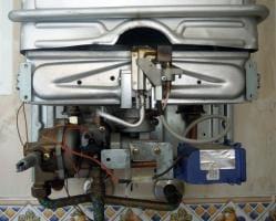 No enciende el calentador gas cointra fontaner a for Caldera se apaga y enciende constantemente