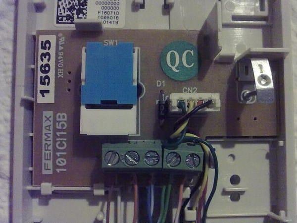 Regular volumen de telefonillo fermax electricidad del for Telefonillo fermax esquema