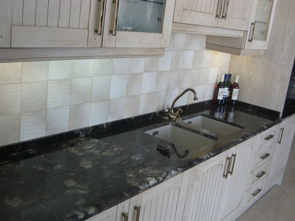 Elegir color muebles de cocina y encimera decoraci n for Encimeras de colores