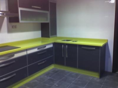 Se me quedar la casa muy oscura con tarima gris - Paredes verde pistacho ...