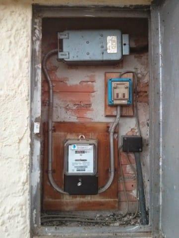 Componentes cuadro el ctrico antiguo electricidad del for Cuadro electrico componentes