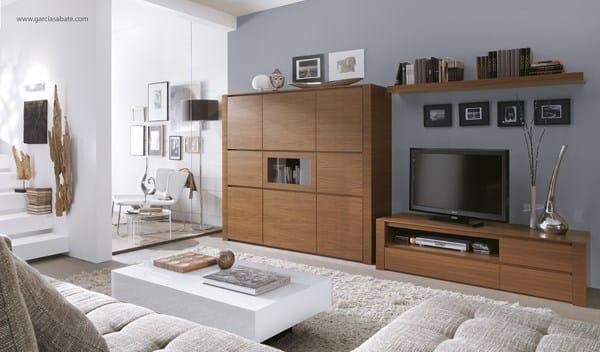 Color paredes sal n con muebles de madera maciza cerezo y suelo porcel nico gris brillante - Muebles color cerezo como pintar paredes ...