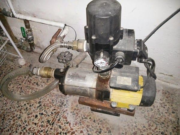 Bomba de presi n de agua de casa falla en el segundo for Grupo de presion de agua para edificios