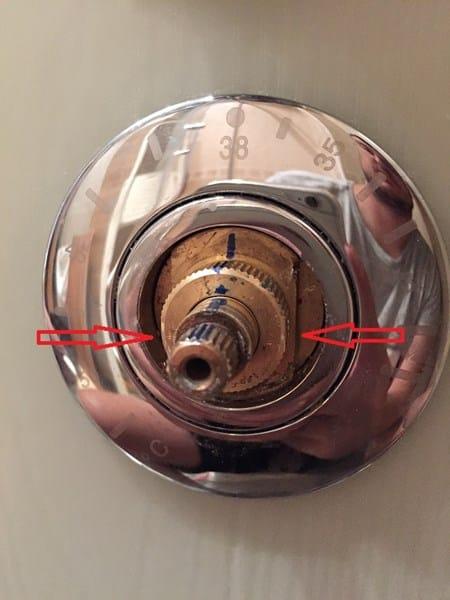 No puedo sacar cartucho termost tico columna hidromasaje for Como desarmar una llave de ducha