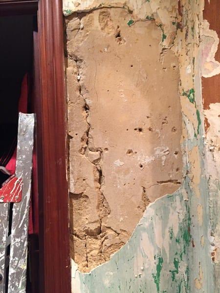 C mo restaurar paredes antiguas con base de mortero de arena en vez de cemento alba iler a - Paredes de cemento ...