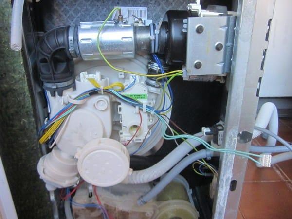 Lavavajillas whirlpool adp6920 no desagua for Mi lavavajillas no desagua
