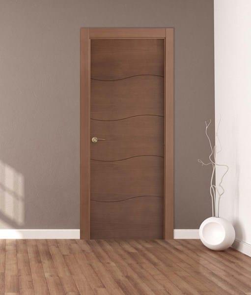 Puertas roble suelo laminado roble rodapi s blanco for Colores para pintar puertas de interior