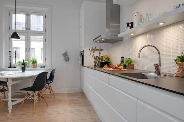 Combinaci n de suelo encimera y frentes en la cocina - Suelo madera cocina ...