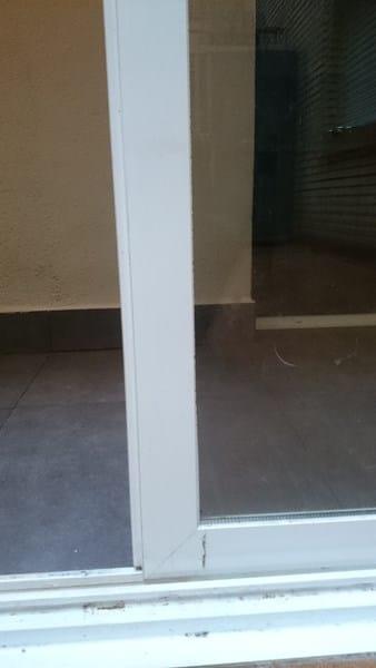 Quitar marco inferior puerta corredera aluminio y cristal ...