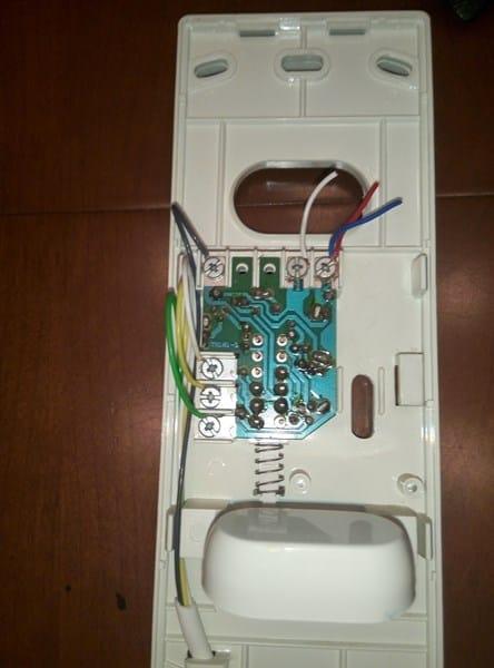 Como cambiar cables de un telefonillo tequi antiguo e7040 for Cables telefonillo colores