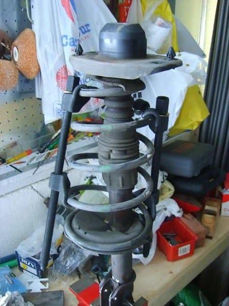 Cambio amortiguadores en fiat punto 75 sx a o 94 1242 for Amortiguadores fiat idea 1 8