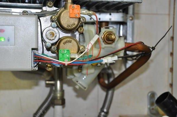 Calentador junkers goteando fontaner a for Calentador de agua junkers
