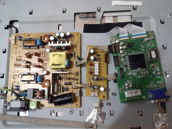 C mo reparar monitor que se apaga a los 3 segundos for Reparar pantalla televisor samsung