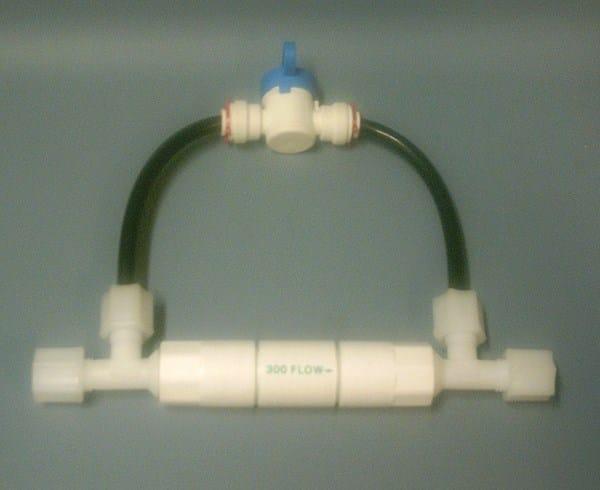 Restrictor equipo de smosis con llave flushing for Llave tirando agua