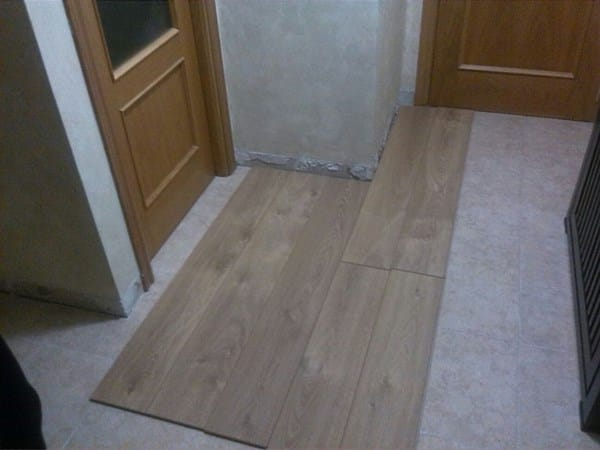 Como oriento el suelo laminado y de que forma pongo las lineas carpinter a - Como poner suelo laminado ...